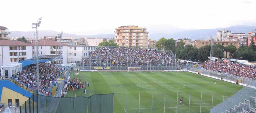 Frosinone-Roma, file dalle prime ore dell'alba per i biglietti