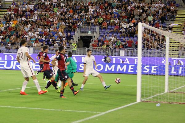 Le pagelle di Cagliari-Roma 2-2, Florenzi che errore nel finale, Strootman migliore in campo