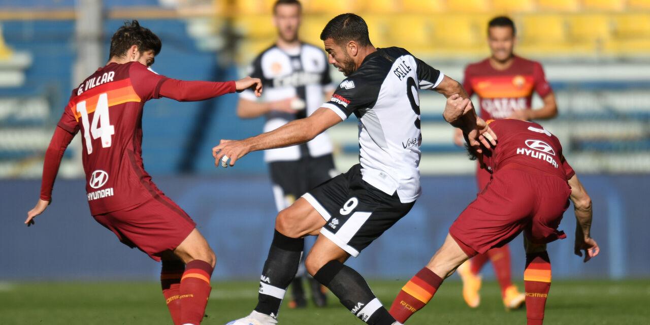 Migliori e peggiori di Parma-Roma: pessima giornata per Kumbulla